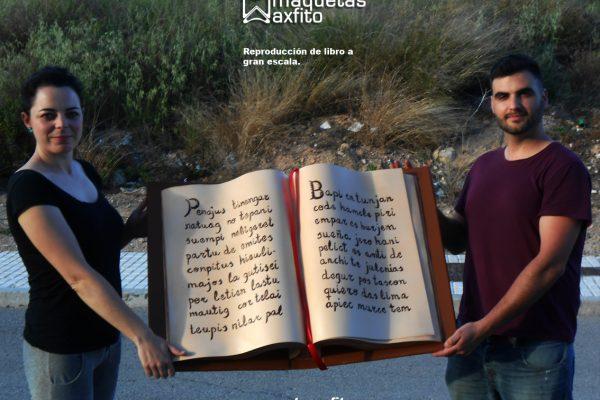 Reproducción de libro a gran escala