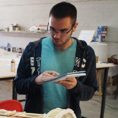 Juan Carlos, Técnico Superior de Edificación en Grupo Axfito